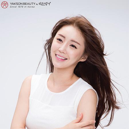 Người mẫu Kang Si Nae