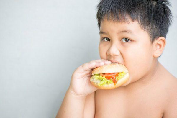 trẻ thừa cân béo phì